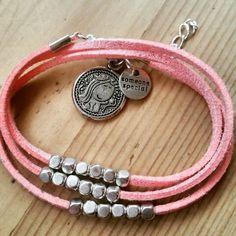 Pulseras de antelina rosa