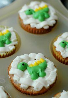 Party-Kekse mit Dinosaurier-Deko-Ideen zum Geburtstag feiern mit Kindern