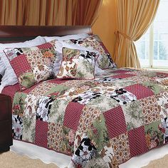 This charming quilt set features a beautifully sewn-in floral patchwork in patchwork pattern in hues of red, black, white and brown. This quilt set is made of is pre-washed and pre-shrunk cotton.