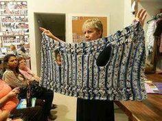 New knitting machine poncho crochet 52 Ideas Gilet Crochet, Crochet Jacket, Knit Vest, Crochet Cardigan, Crochet Shawl, Knit Crochet, Crochet Vests, Knitting Patterns, Crochet Patterns