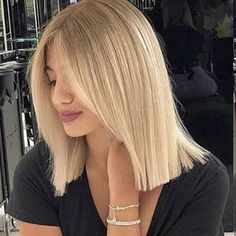 TheKriksters (@thekriksters) • Instagram photos and videos Short Straight Hair, Short Hair Cuts For Women, Straight Hairstyles, Cool Hairstyles, Natural Hair Brush, Natural Hair Styles, Short Hair Styles, Cheveux Ternes, Blunt Haircut