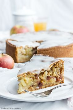 A ♥ for classic: covered apple pie Homemade Apple Pies, Apple Pie Recipes, Easy Cookie Recipes, Baking Recipes, Sweet Recipes, Caramel Apple Pie Cookies, Apple Pie Bars, Perfect Apple Pie, German Baking