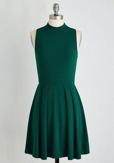 Seeking Regal Advice Dress in Forest. Your friends know youre the go-to gal for timeless style guidance, and seeing you flaunt this forest green frock inspires requests for your counsel! #green #modcloth