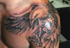 Finest Eagle Tattoo Designs And Concepts For Males and Girls With Meanings.Eagle, sure you're proper Eagle is called the king of . Tattoo 2016, Tattoo Platzierung, Tatoo Henna, Tatoo Art, Grey Tattoo, Body Art Tattoos, Sleeve Tattoos, Wing Tattoos, Tatoos