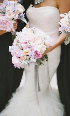Featured Photographer: Mango Studios; www.mangostudios.com; Wedding bouquet idea.