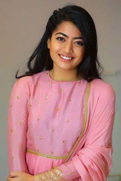 Rashmika Mandanna HD Wallpapers and Images [40