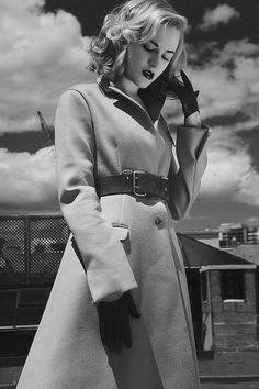 Evan Rachel Wood - lookin a bit Bonnie (as in & Clyde)