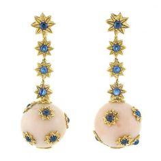 Pár zlata, Angel Skin Coral a Cabochon Sapphire přívěsek-Earclips k prodeji při dražbách, St, 04/22/2015 - 07:00 - Důležité šperky | Doyle Aukční dům
