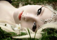 Of Elven Queens by ~Scarlet-Lark on deviantART - New Site Dream Fantasy, Fantasy World, Fantasy Art, Elven Makeup, Elven Queen, Elf Costume, Costume Ideas, The Dark One, Fantasy Creatures