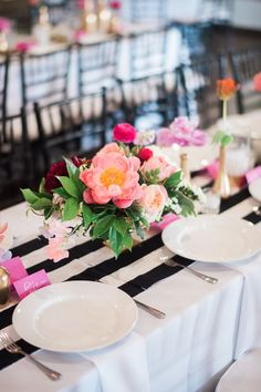 Black-and-White-Striped Table Runner / http://www.himisspuff.com/black-and-white-sassy-stripes-wedding-ideas/5/