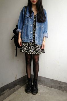 4a485c025d6d66 Doc Martens are perfect with every kind of outfit  docmartens  bluebanana  Hipster Girl Outfits