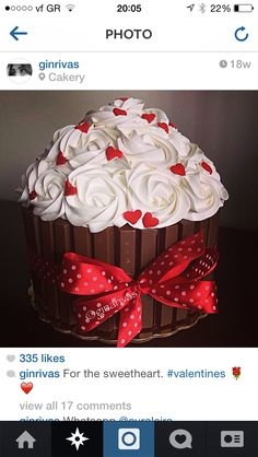 Giant cupcake with kit kat