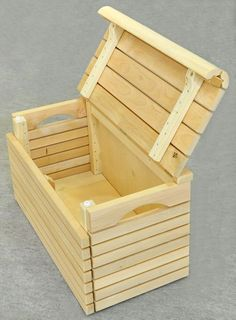 Puulaatikko Woodworking Projects Diy, Woodworking Plans, Cute Crafts, Diy And Crafts, Wood Cart, Pallet Chest, Easy Projects, Project Ideas, Bois Diy