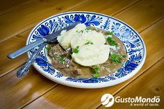 Recycled leftover brisket with cream gravy and semolina dumplings. Leftover Brisket, Cream Gravy, Food Waste, Dumplings, Mashed Potatoes, Bacon, Recycling, Chicken, Ethnic Recipes