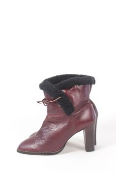 c6afe0a34b VINTAGE Oxblood Leather Booties w Black Fleece Lining + Stacked Chunky Heel  sz 7.5 | Brown Ankle Boots by AmericanDrifter on Etsy