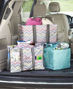 I am quite the fan of the Party Punch print from Thirty One!