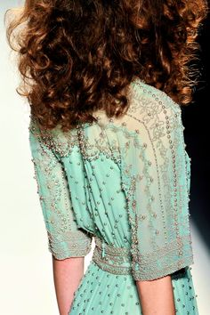 Jenny Packham spring 2014l - inspiration from blossomgraphicdesign.com #boutiquedesign