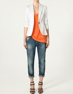 Just got it in my head that I want a white blazer and now it's all I can think about.