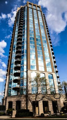 Atlanta Condo 101 - We provide you with balanced opinion of Atlanta's most popular condominium and loft buildings! Atlanta Condo, Atlanta Midtown, Atlanta Skyline, Real Estate Buyers, Luxury Real Estate, Condo Living, City Living, Buying A Condo
