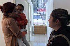 La titular, Fabiola Alanís, manifestó la importancia y el compromiso de la dependencia por darle seguimiento a los casos, así como de mantener una guardia permanente que atienda a las ...