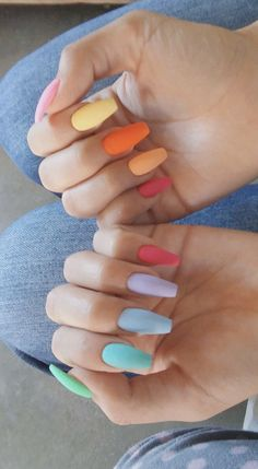 On average, the finger nails grow from 3 to millimeters per month. If it is difficult to change their growth rate, however, it is possible to cheat on their appearance and length through false nails. Simple Acrylic Nails, Best Acrylic Nails, Summer Acrylic Nails, Aycrlic Nails, Manicures, Coffin Nails, Nagellack Design, Fire Nails, Dream Nails