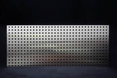 Schreibtischblende oder Knieraumblende aus Edelstahl.
