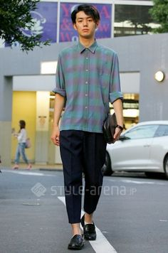 In Daikan'yama. Shirt/古着 Slacks/古着 Loafers/古着 Socks/? Clutch Bag/LOUIS VUITTON