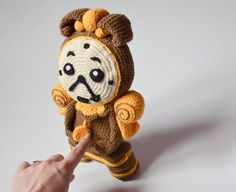 Crochet PATTERN Cogsworth inspired on Disney Beauty and par Krawka