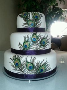 Another beautiful peacock wedding cake