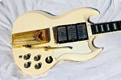 1961 Gibson Les Paul SG Custom in White. With 3 PAF´s. Sounds and plays fantastic.  The introduction of the remodeled Les Paul