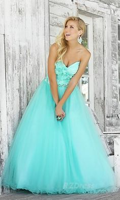 light blue sweetheart neck line flowers with a little volume in the skirt winter formal, love it except the sweetheart neckline