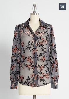 Cute Blouses, Blouses For Women, Trendy Tops, Casual Tops, New Arrival Dress, Velvet Tops, Jumpsuit Dress, Sweater Shirt, Affordable Fashion