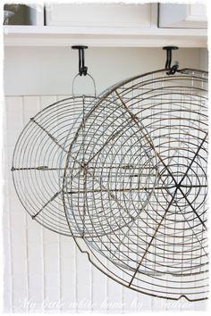 Love old, wired cake racks...