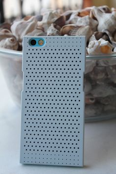 Nextbit Robin back with fog bumps case