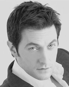 (7) Richard Armitage