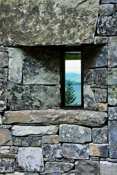 Stone Wall Window Detail