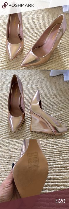 Shoe dazzle rose gold wedges Beautiful rose gold wedges that were only worn one time! Size 8. A little over 4 inches high. Shoe Dazzle Shoes Wedges