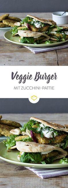 Zucchini burger in flatbread - Go Veggie! Burger Recipes, Veggie Recipes, Vegetarian Recipes, Vegan Vegetarian, Healthy Recipes, Vegan Food, Healthy Food, Healthy Eating, Hamburgers