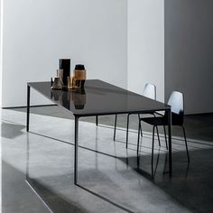 In this page you can find all the glass dining tables for the home and contract interiors manufactured by Sovet. Glass Top Dining Table, Dining Table Design, Dinning Table, Bedroom Furniture Design, Dining Room Furniture, Contemporary Furniture Stores, Minimalist Dining Room, Living Room Kitchen, Kitchen Interior