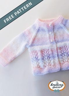Waves Knitted Baby Cardigan [FREE Knitting Pattern] Create this lovely knitted cardigan for your little one. This piece also makes for a thoughtful handmade baby. Baby Knitting Patterns Free Newborn, Baby Cardigan Knitting Pattern Free, Baby Sweater Patterns, Knitted Baby Cardigan, Knit Baby Sweaters, Knitted Baby Clothes, Cardigan Pattern, Jacket Pattern, Baby Knits