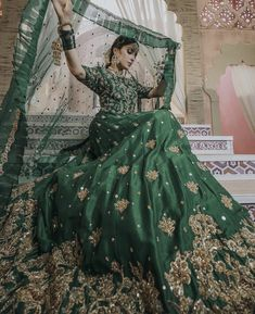 Beautifully Royal Dress in Dark Green Colour perfectly suits for your 💗 Indian Bridal Outfits, Indian Bridal Fashion, Pakistani Bridal Dresses, Pakistani Dress Design, Pakistani Outfits, Bridal Lehenga, Pakistani Mehndi, Pakistani Clothing, Mehendi
