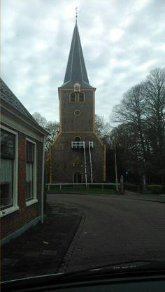 De Torenkerk in Winsum in de Nederlandse provincie Groningen is een middeleeuwse kerk waarvan de oudste delen stammen uit de twaalfde eeuw, wellicht zelfs uit de late elfde eeuw...De houten buitentrap is een bijzonder kenmerk van de kerktoren.
