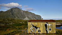 street art in lofoten, norway | dolk