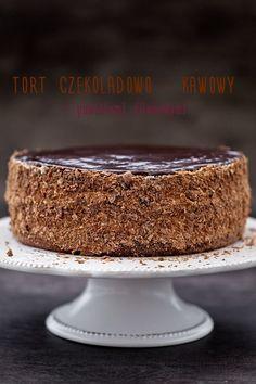 Tort czekoladowo - kawowy z powidłami śliwkowymi (do kremu można dodać wiśnie i nasączyć herbatą z cytryną); krem- można 500ml kremówki i 250g mascarpone