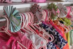 Nursery closet organization. I am in love with these clothes dividers. Must do!!!
