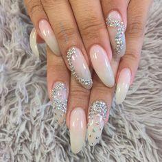 #nailitmagazine #nailprodigy #nailedit #guccifiina #fiina_naillounge #happy #nails #fashion #style #hudabeauty  #beauty #pretty #stylish #sparkles #styles #glitter #nailart #opi #essie #unhas #preto #branco  #love #shiny #polish #nailpolish #nailswag #anastasiabeverlyhills #vegas_nay
