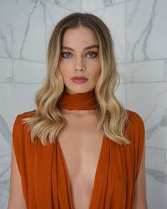 cute beauty looks from my makeup queen, margot robbie 5 Margo Robbie, Margot Elise Robbie, Actress Margot Robbie, Blonde Makeup, Margot Robbie Pictures, Fall Hair Trends, Peinados Pin Up, Cute Beauty, Girl Crushes