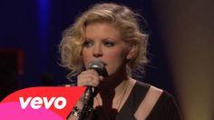 Dixie Chicks - Cowboy Take Me Away (Official Video)
