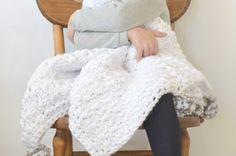 loft-pom-blanket-7