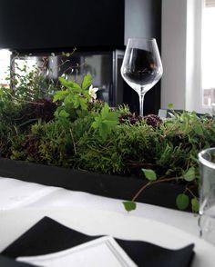 New blog post! Table setting inspiration! #newblogpost #tablesetting #borddekking #vår #17mai #konfirmasjon #moseplassen #tilbords #hadelandglassverk